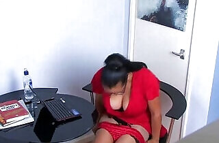 Mature office babe rubs her pussy on secret cam More