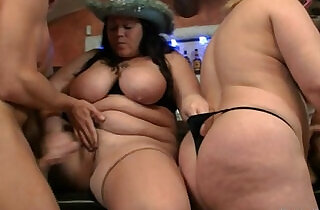 Three plumper bitches in group orgy