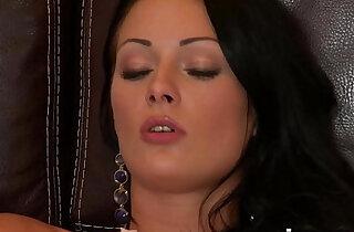 vixenx Beautiful brunette in stockings pussy