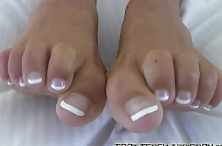 I bet I can make you cum with feet