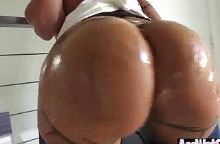 Oiled Horny Big Butt Girl Bang Deep In Ass clip