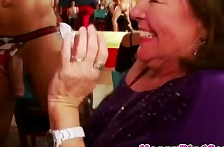 Real housewife sucking at cfnm party