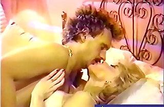 Blonde teen Slut in Retro video